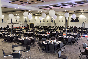 Comfortably seat up to 650 dinner guests